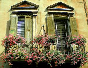 verona-balcony-300x235